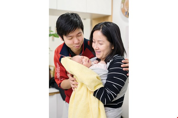 Aki Yu (left) says that gentle birthing is rare in Hong Kong, but thorough prenatal preparation allowed his family to have an unforgettable experience.