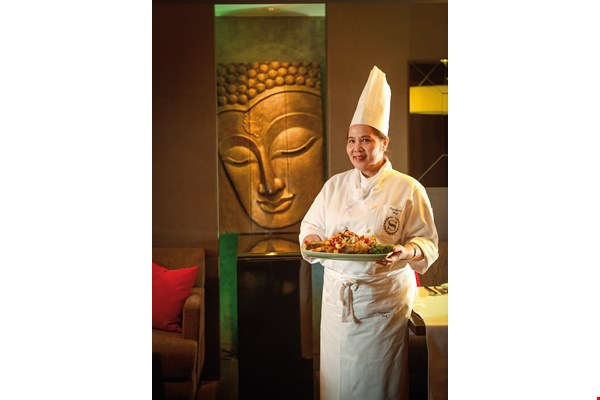 At the highly regarded Thai restaurant in the Taipei Sheraton, Chef Ah-Tong prepares fresh and delicious Thai cuisine.