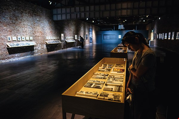 """A view of the venue for the exhibition """"Keynote Photographers: Hsu Yuan-fu."""" During his life, Hsu was a witness to the development of photography in Tainan, and was important in passing along the legacy of the past to the next generation. (photo by Chuang Kung-ju)"""