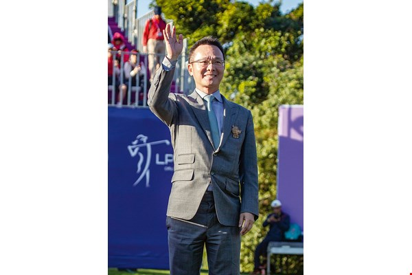 Johnson Wang, chairman of the Swinging Skirts Golf Foundation, has long been promoting golf and golf tournaments in Taiwan. His efforts have earned international acclaim.