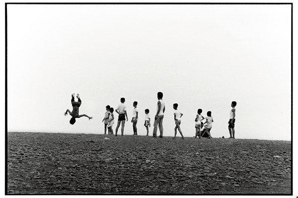 "Juan's camera lens has documented Taiwan's most distinctive ways of life. ""Xuhai Plain"" (1986), from Man and Land. (courtesy of Juan I-jong)"