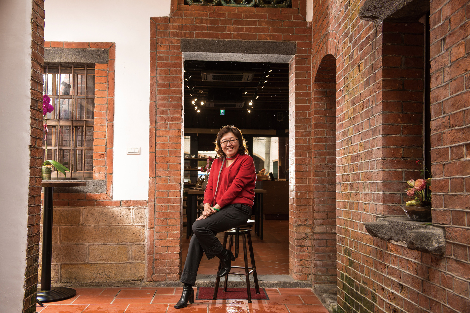 A Collector's Vision: Kuo Su-jen Brings Art into  Old City Streets