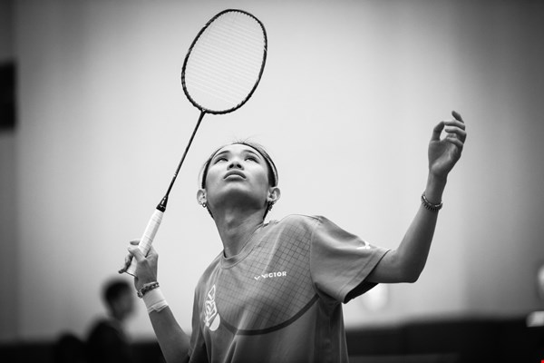 "Taiwan badminton ""empress"" Tai Tzu-ying, ranked number one in the world in women's singles, focuses on an incoming shuttle. (photo by Chuang Kung-ju)"