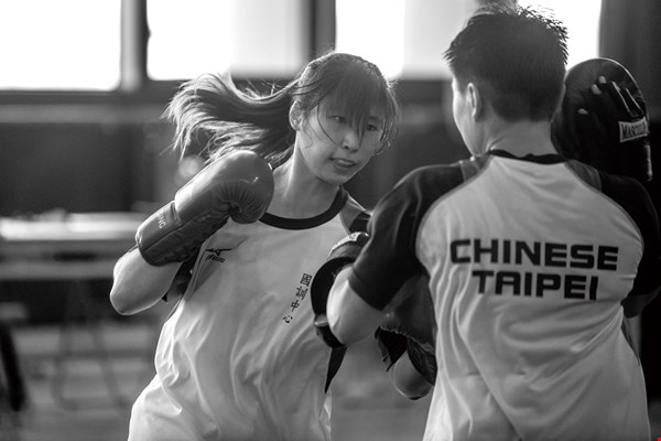 Wushu (Chinese martial arts), divided into the two major categories of sanda (free fighting) and taolu (routines), will be part of the Universiade for the first time this year. Shown here is Chen Weiting, a competitor in sanda.