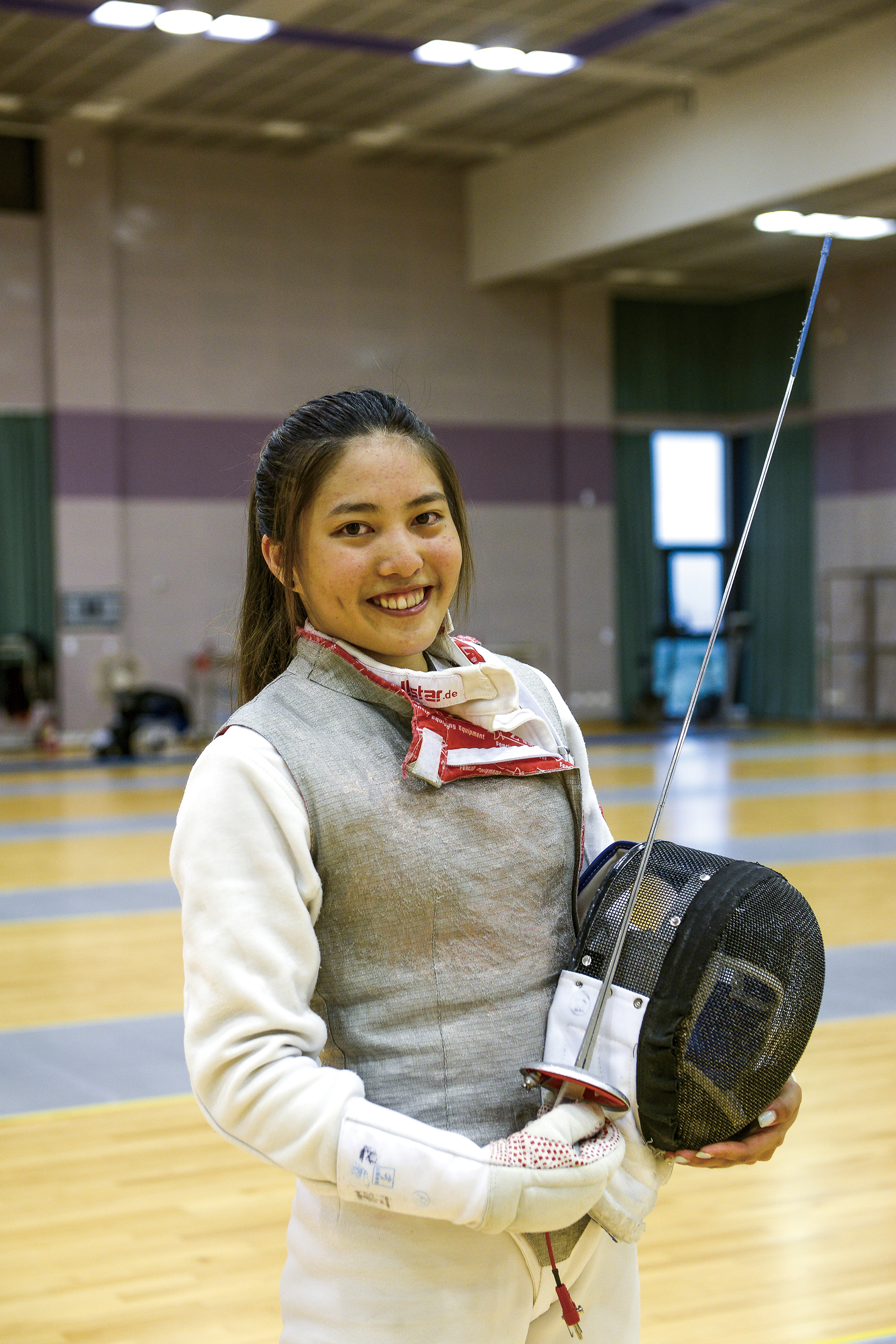"With her big eyes and dimpled look, fencing ""sweetheart"" Cheng Hsin hopes that people will not only come to cheer the competitors on, but will also be able to feel the beauty and excitement of fencing events."