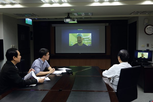 Charles Anton Fries, from the UK, was recruited to work in the University of Oxford Medical School immediately after returning from his studies in Taiwan. The photo was taken during our videoconferencing interview with him.