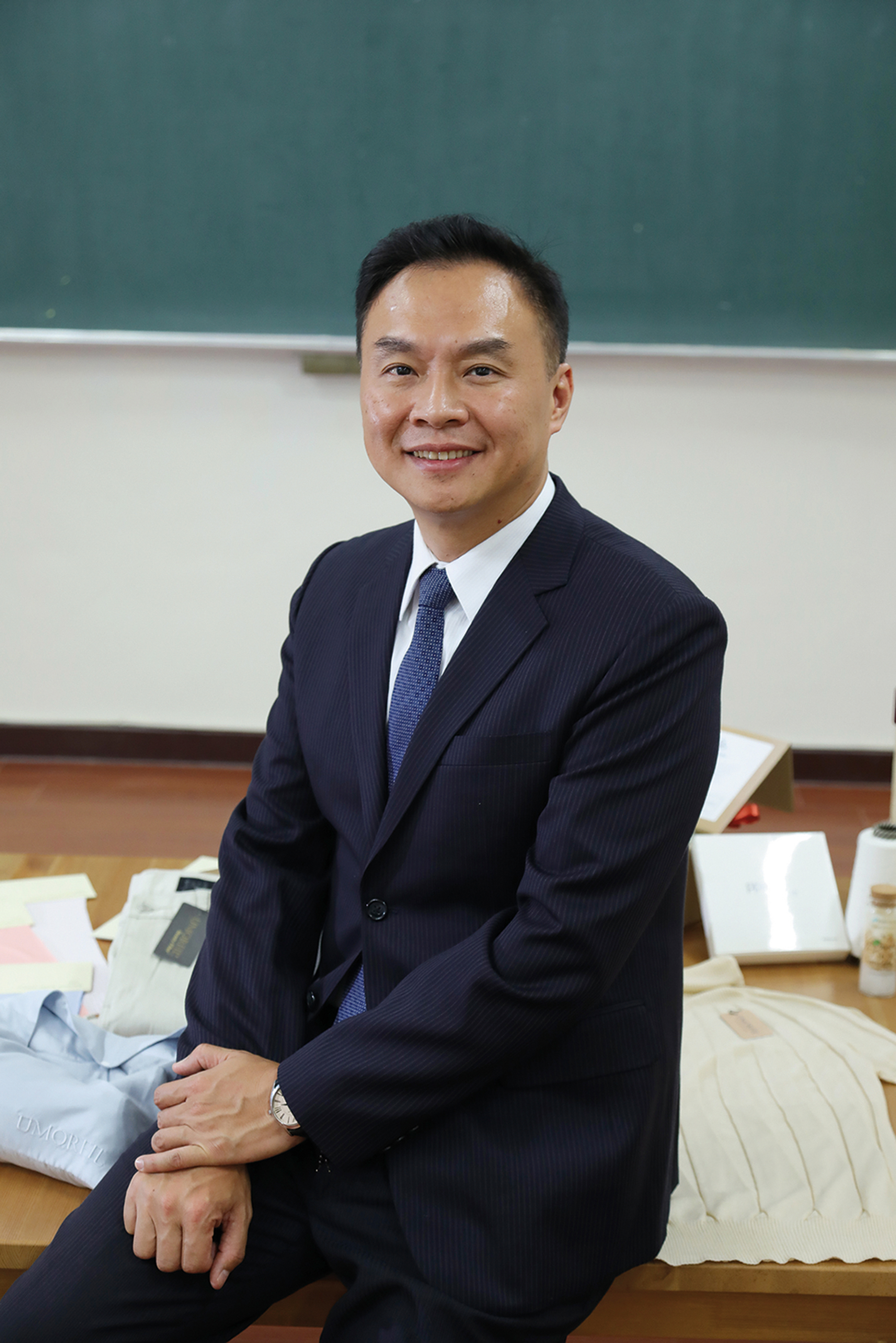 James Hou, the son of a famous family in the textile industry, has special feelings and a sense of mission toward this industry.