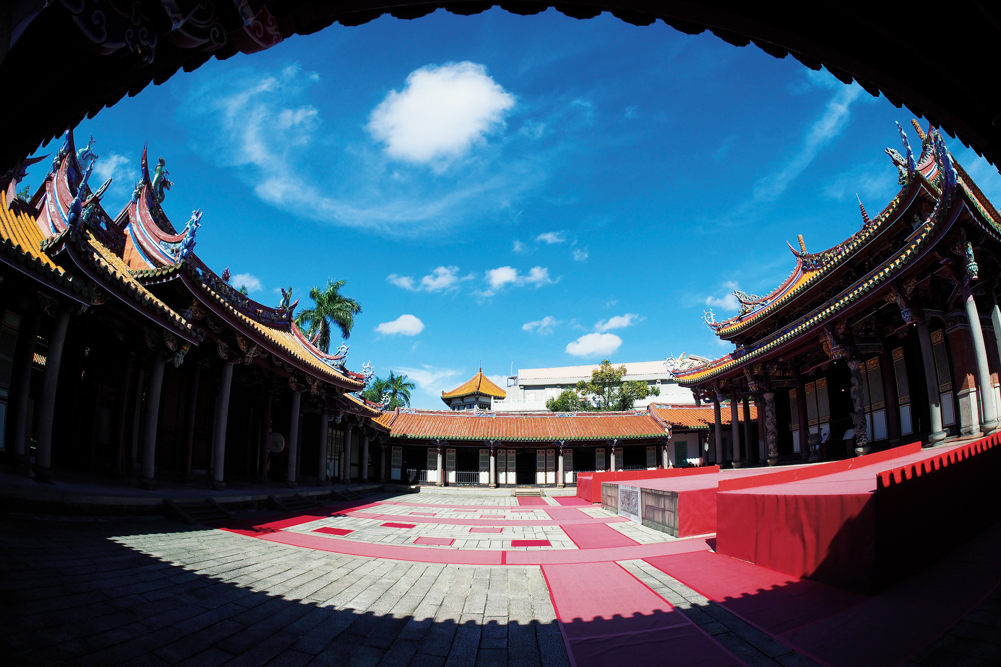 The Taipei Confucius Temple (photo by Jimmy Lin)