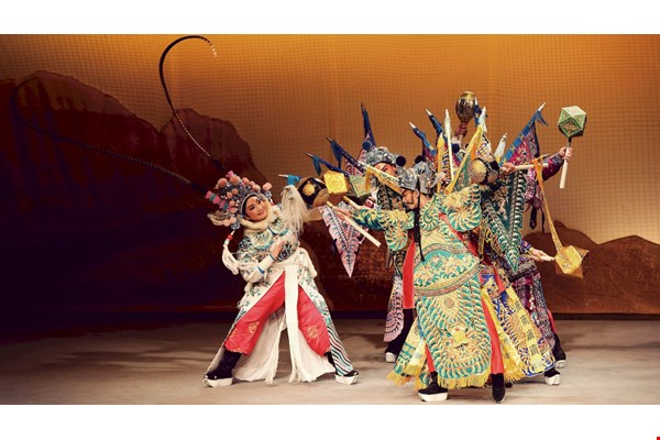 The Taipei Cultural Center's Taiwanese Opera youth troupe holds three or four performances a year at Dadaocheng Theater. The photo shows a scene from of one of their 2013 performances, The Legend of Lu Wenlong.
