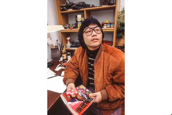 The style of Chen Uen's work is highly individual. The photo of him shown here was taken for a Taiwan Panorama report published in 1992, after Chen first made a name for himself in Japan. (photo by Pu Hua-chih)