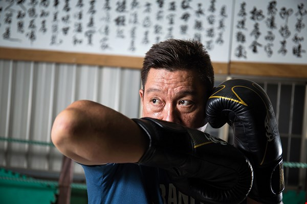 Ran Lee has taught muay Thai for over 17 years now, and among his many students in that time he can count even a bodyguard of an ROC president. (photo by Lin Min-hsuan)