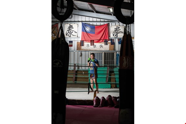 Ran Lee was a pioneer of muay Thai in Taiwan, putting his skills to use in boxing matches around the country and earning himself a reputation as the father of Taiwanese muay Thai.