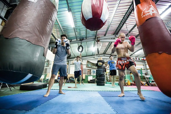 Ran Lee Muay­thai Gym focuses on fist- and footwork.