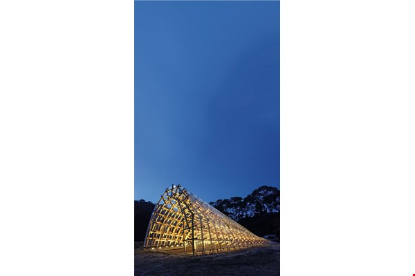 The joinery techniques used to assemble this wooden art installation at the One Nanyuan retreat center keep it stable in Hsinchu's powerful winds. (courtesy of Te Feng Lumber)