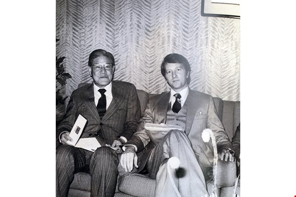 Robert P. Parker (right), former chairman of the American Chamber of Commerce in Taipei, put much time and energy into launching ICRT. The photo shows him with Taipei mayor Lee Teng-hui, who would later become ROC president.