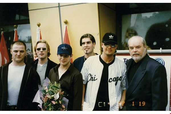 ICRT's former DJ Tony Taylor interviewed Boyzone when the band visited Taiwan on its 1997 tour.