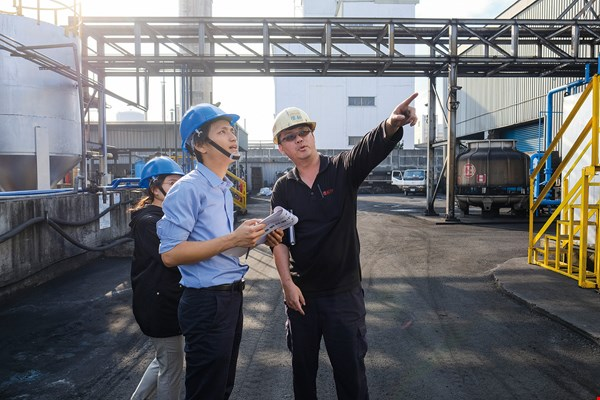 EPEA Taiwan, which administers the Taiwan Cradle to Cradle Strategic Alliance, conducts an on-site inspection at Enrestec to ensure that the company's manufacturing processes meet C2C certification requirements.