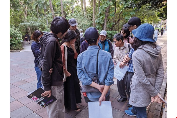 Atelier Hui-Kan holds a listening workshop in the Taipei Botanical Garden.