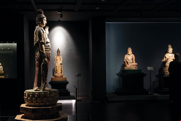 "A dignified atmosphere reigns at the special exhibition ""Where the Heart Longs to Be: Liao and Jin Buddhist Sculpture from the Museum Collection."""